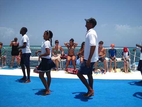 Amazing dancers on the boat